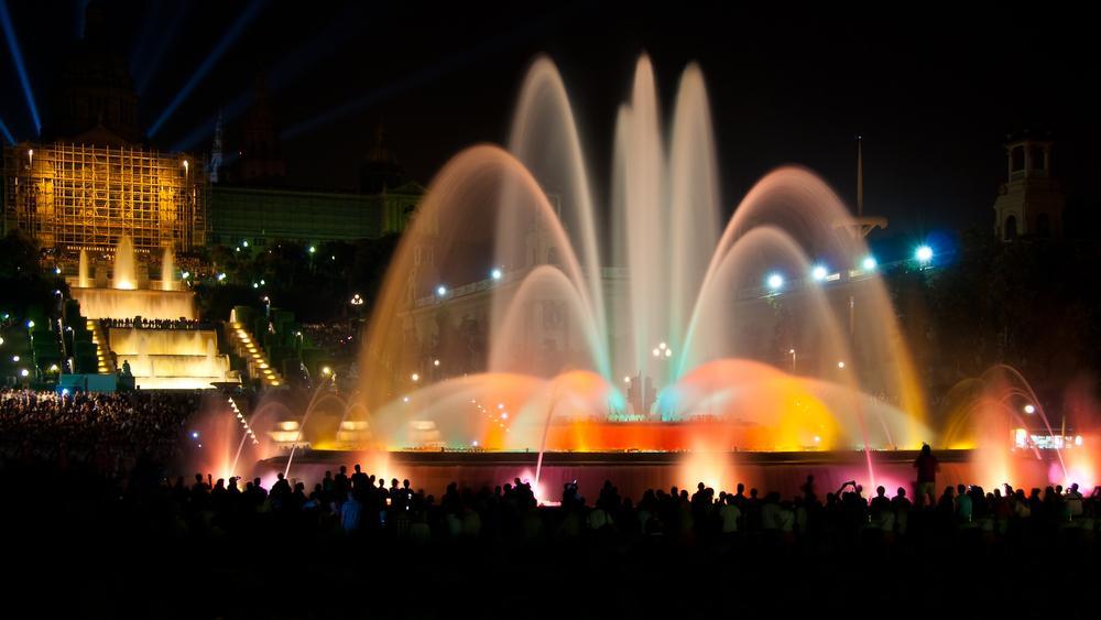Музыкальный магический фонтан в Барселоне | 3